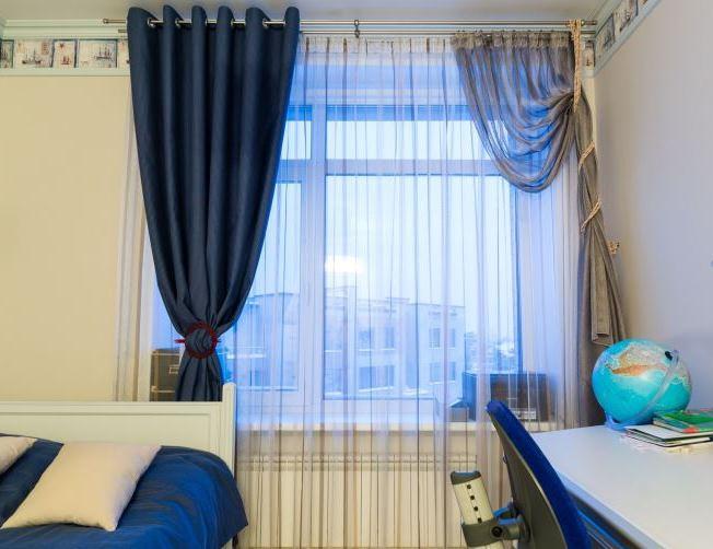 5 вариантов применения ассиметричных штор на окнах6