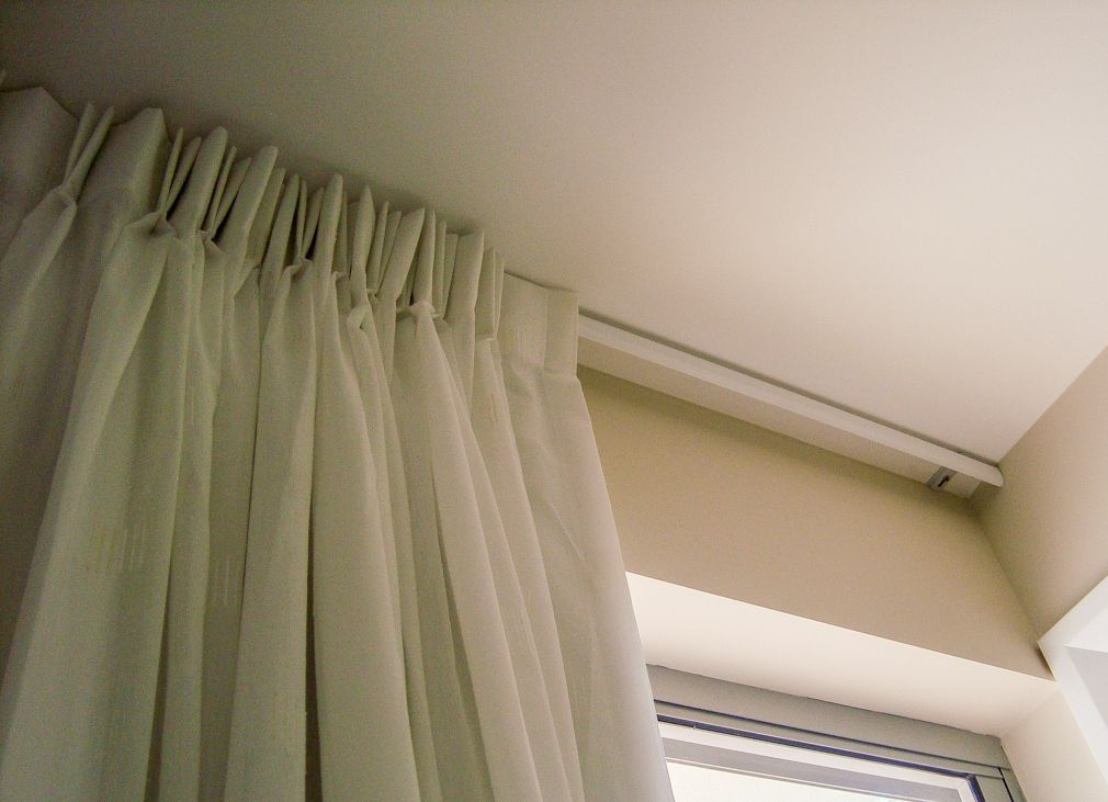 Алюминиевый карниз для штор— в чем популярность2