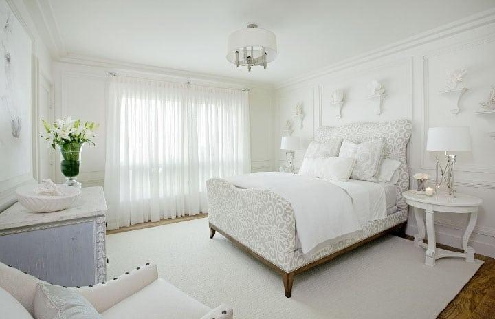 Белые шторы в интерьере: секрет красоты в каждой комнате5
