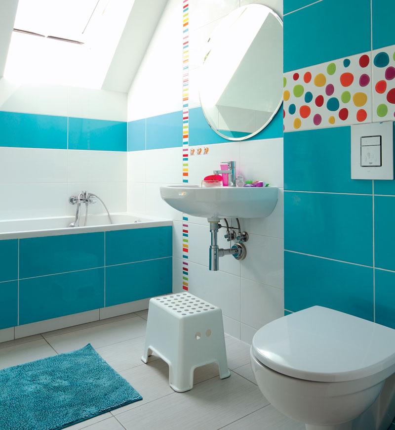 Бирюзовый цвет для маленькой ванной комнаты4