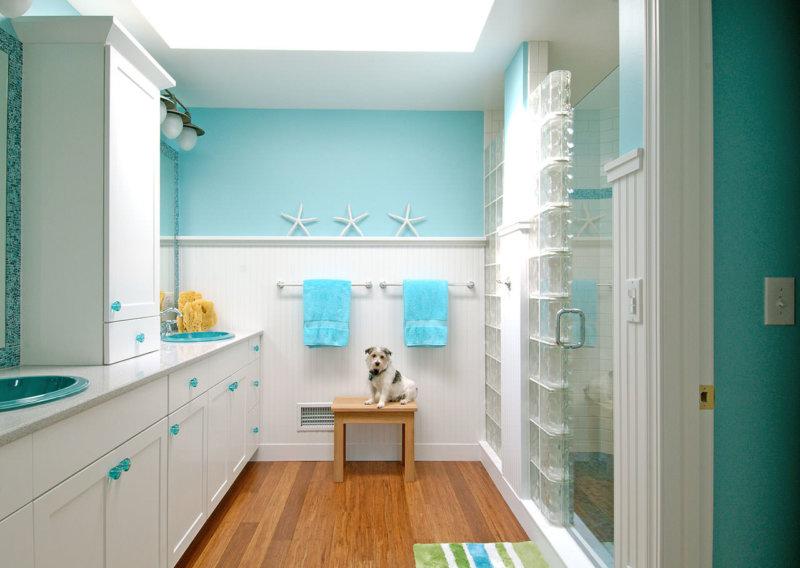 Бирюзовый цвет для маленькой ванной комнаты6