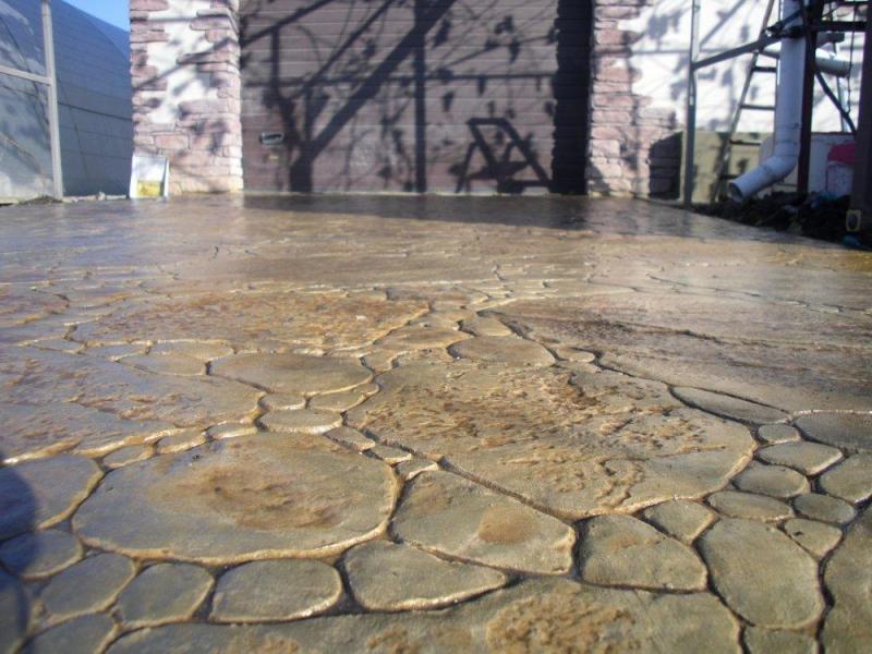 Декоративный бетон: печатный и штампованный своими руками, декор и технология рецептуры, видео и пресс1