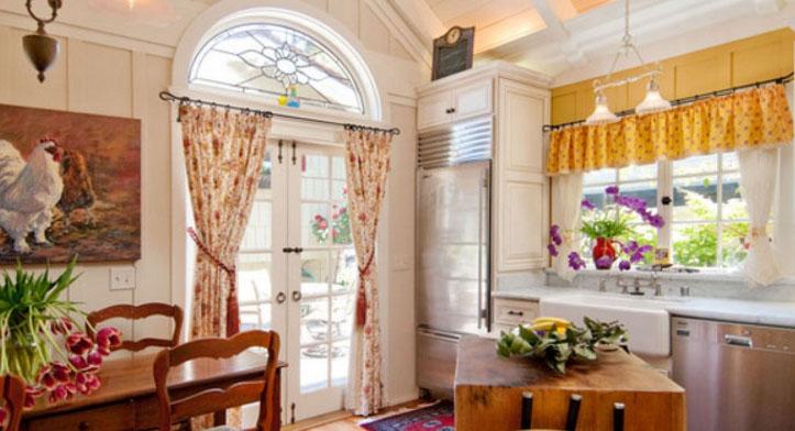 Деревенские шторы для кухни: выберите вариант оформления вашего окна2