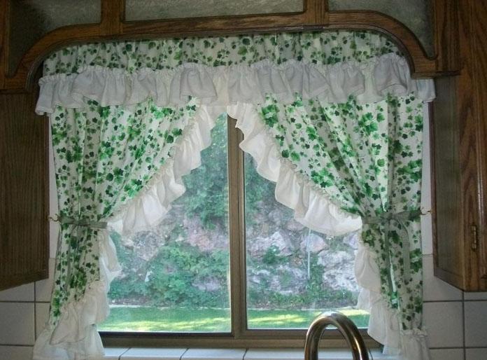 Деревенские шторы для кухни: выберите вариант оформления вашего окна6