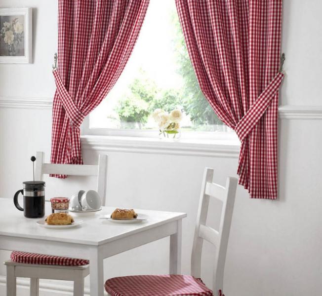 Деревенские шторы для кухни: выберите вариант оформления вашего окна0