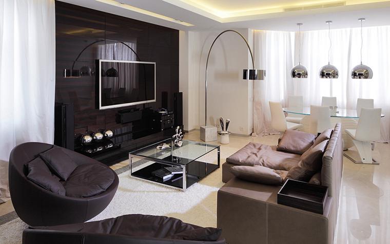 Дизайн гостиной с грациозным эркером5