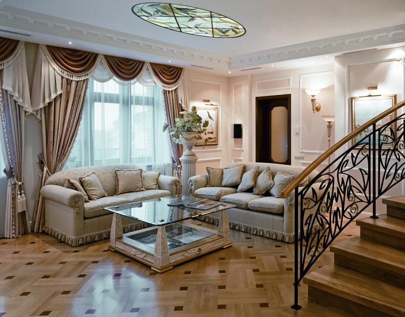 Дизайн вместительной гостиной в стиле неоклассика1