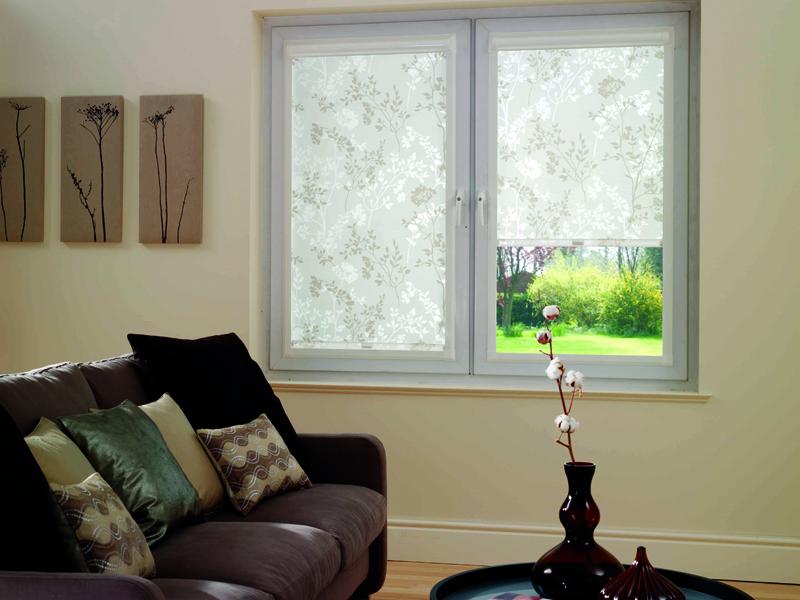 Для каких окон подходят шторы с электроприводом?6