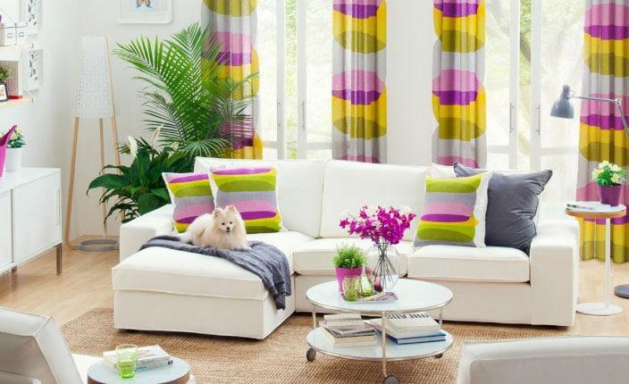 Если повесить цветные шторы на окна— это красиво или нет?4