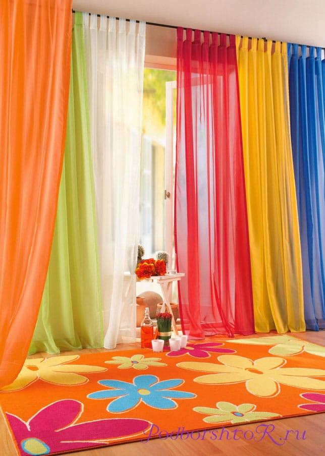 Если повесить цветные шторы на окна— это красиво или нет?0