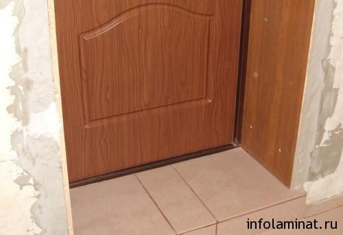 Использование ламината для откоса входных дверей5