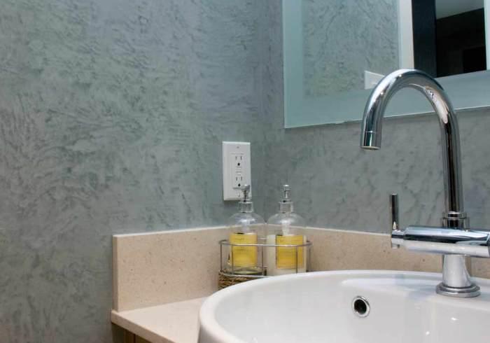 Как использовать в ванной комнате жидкие обои5