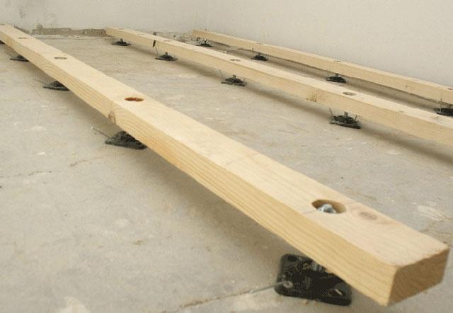 Как к бетонному полу произвести крепление лаг?2