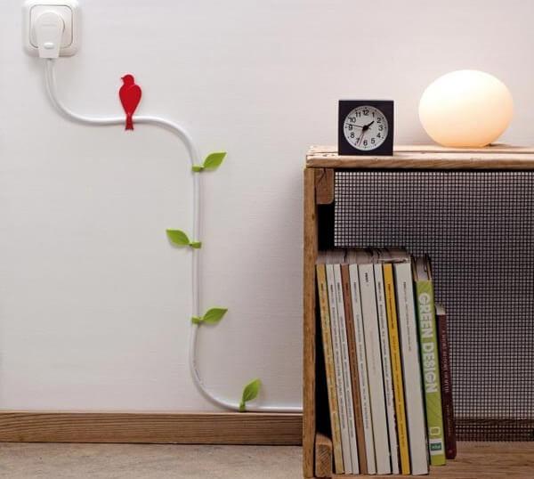 Как красиво и оригинально оформить провода в интерьере5