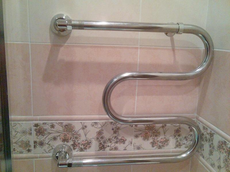 Как крепить полотенцесушитель2