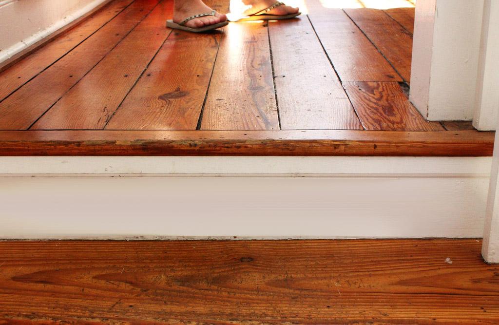 Как можно избавиться от скрипа деревянного пола?4