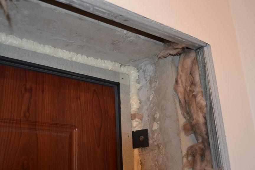 Как можно оформить дверной проем входной двери2
