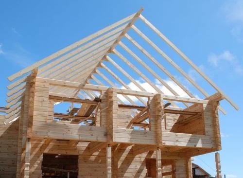 Как построить крышу? крыша в доме из бруса0