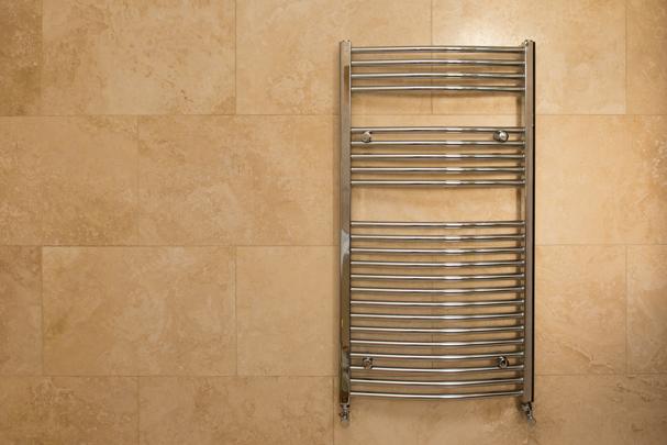 Как правильно запустить полотенцесушитель после его установки1