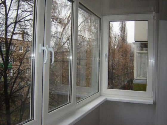 Как происходит алюминиевое остекление балкона0