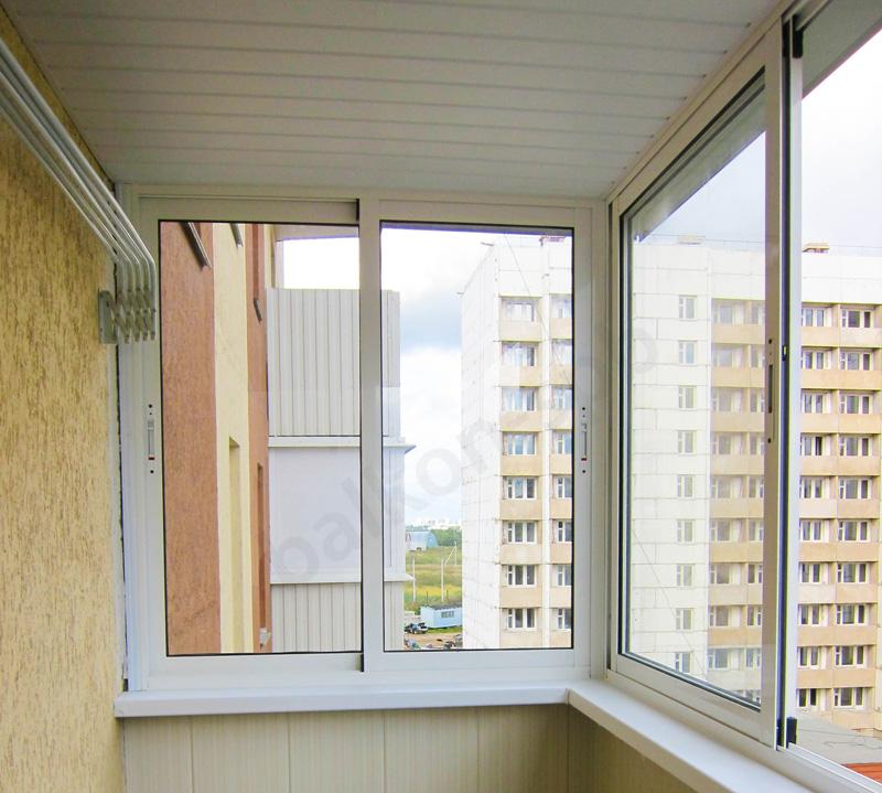 Как происходит алюминиевое остекление балкона5