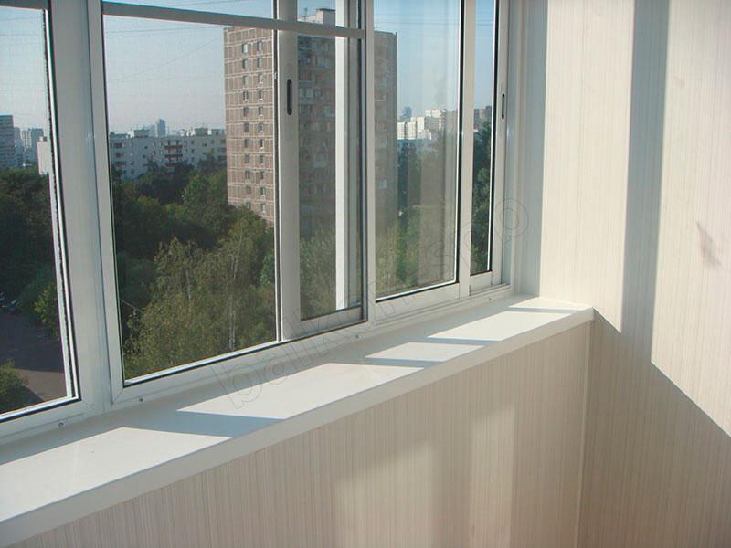 Как происходит алюминиевое остекление балкона7