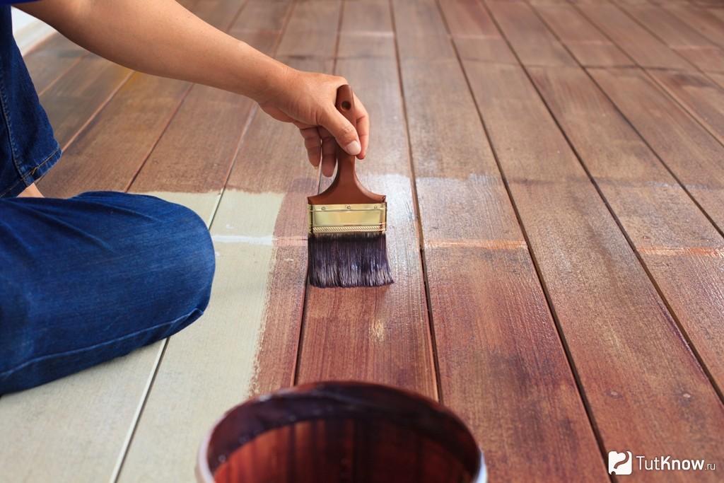 Как произвести окраску деревянных полов?2