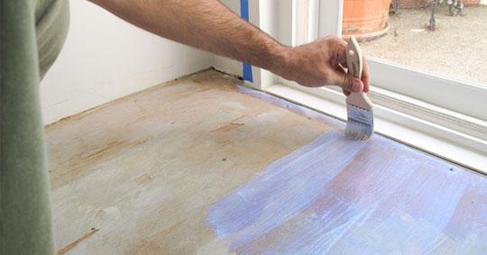 Как произвести окраску деревянных полов?3