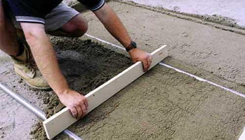 Как ровно залить пол бетоном в доме или квартире самостоятельно (видео)5