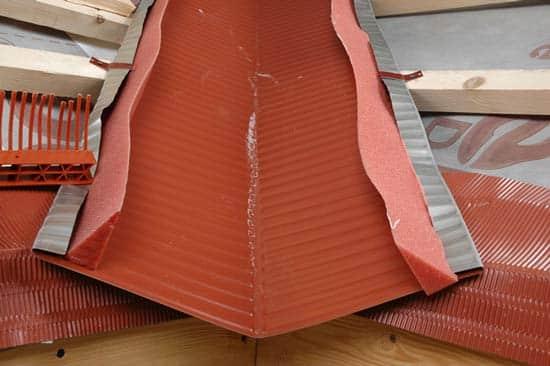 Как сделать ендову на крыше3