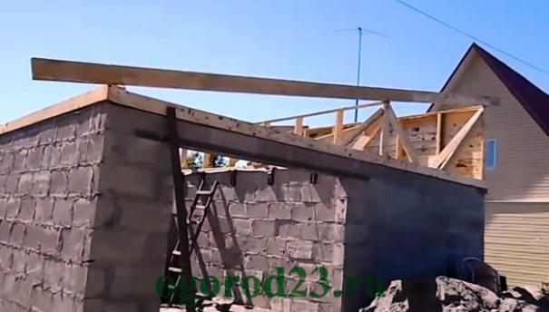 Как сделать односкатную крышу4
