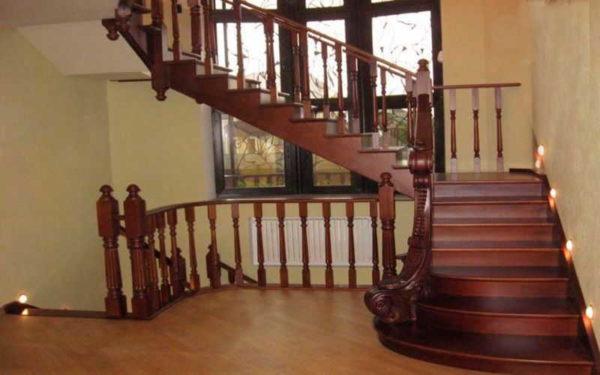 Как установить балясины и столбы на лестницу3