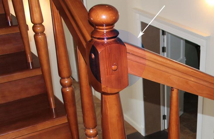 Как установить балясины и столбы на лестницу7