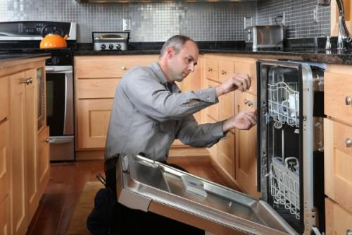 Как установить посудомоечную машину самостоятельно0