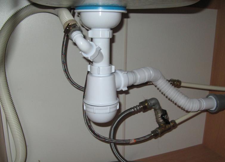 Как выполняется подключение стиральной машины к смесителю?0