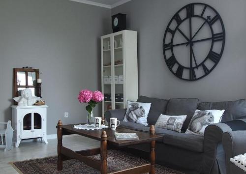 Какие настенные часы идеально подойдут в гостиную?1