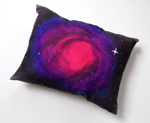 Космическая туманность на вашей подушке3