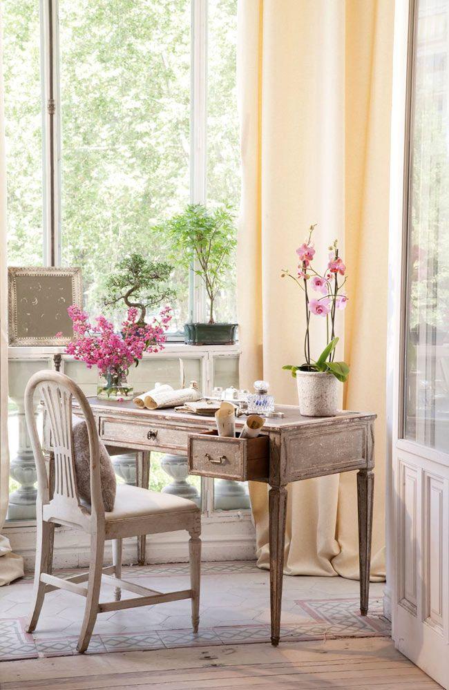 Красивая гостиная комната с налетом винтажности (дизайнер isabel flores)1