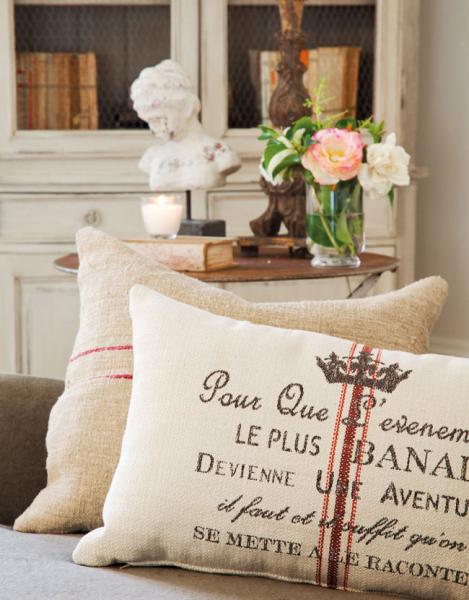 Красивая гостиная комната с налетом винтажности (дизайнер isabel flores)3
