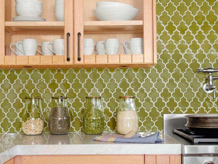 Красивая плитка с геометрическими узорами для кухонного фартука3