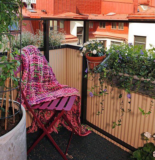 Красивый балкон — место для отдыха в современных квартирах4