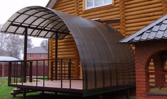 Крыша из поликарбоната. как покрыть крышу поликарбонатом?0