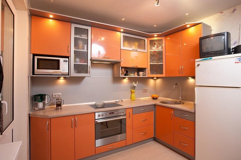 Кухня оранжевого цвета5