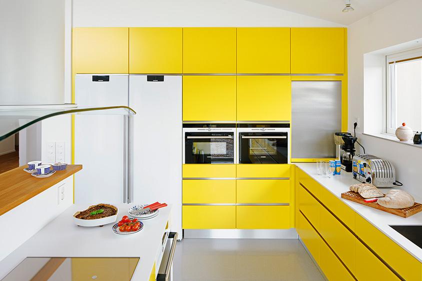 Кухня желтого цвета1