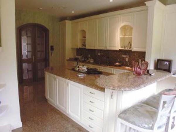 Кухонные столешницы из натурального камня: красиво и прочно7