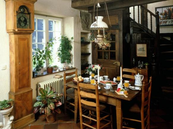 Маленькие и очень симпатичные столовые1