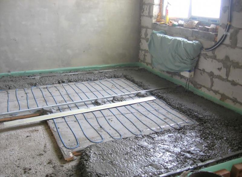 Монтаж теплых полов в бетонной стяжке: инструкция по монтажу1