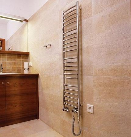 Монтаж водяного и электрического полотенцесушителя1