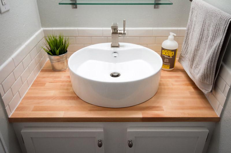 Накладная каменная раковина – атрибут эксклюзивной ванной комнаты3