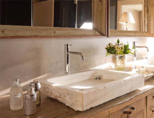 Накладная каменная раковина – атрибут эксклюзивной ванной комнаты0